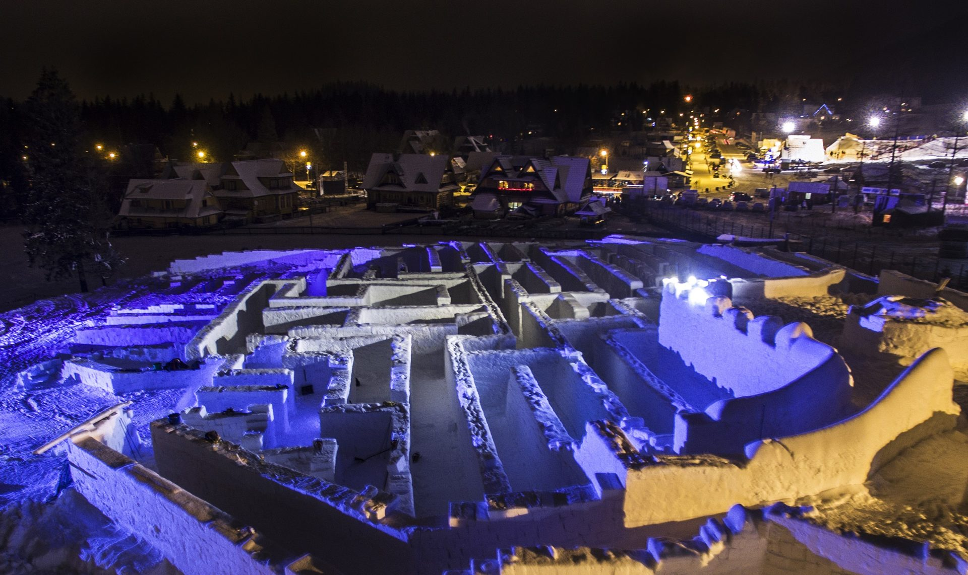 www.snowlandia.pl – Śnieżny Labirynt
